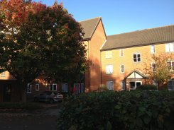 Apartment offered in Reading Berkshire United Kingdom for £450 p/m