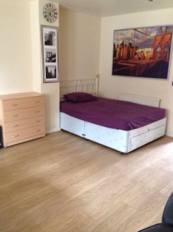 Double room offered in Milton keynes Milton keynes United Kingdom for £450 p/m