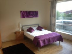 Apartment offered in Sale Greater manchester United Kingdom for £100 p/n