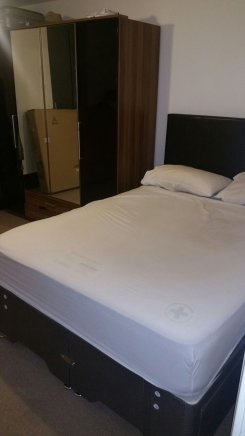 Double room offered in Bermondsey/shad Thames London United Kingdom for �180 p/w