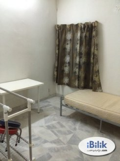 Single room offered in Subang jaya Selangor Malaysia for RM450 p/m