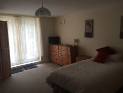 Double room offered in Paignton Devon United Kingdom for £320 p/m