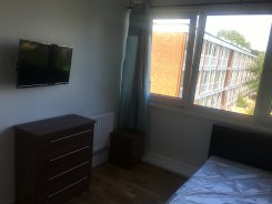 Double room in London Roahampton for £780 per month