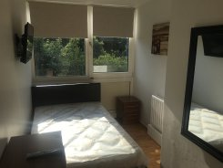 Apartment offered in Roahampton London United Kingdom for £520 p/m