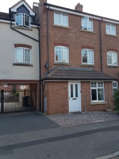 House offered in Selly Oak Birmingham United Kingdom for £100 p/w