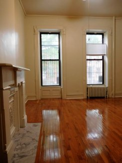 Apartment offered in Brooklyn New York United States for $1900 p/m