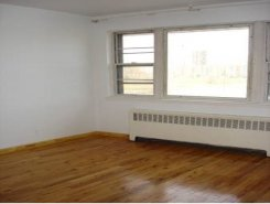 Apartment offered in Ny City New York United States for $942 p/m