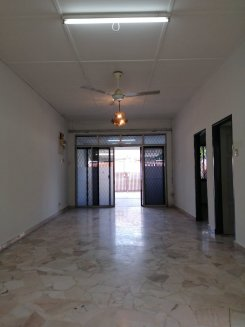 House offered in Taman abad, century garden Johor Malaysia for RM1700 p/m