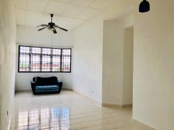 Apartment offered in Bandar seri alam Johor Malaysia for RM700 p/m