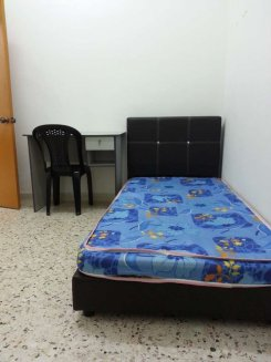 Room offered in Jenjarom Selangor Malaysia for RM500 p/m