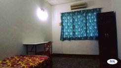 Room offered in Bandar kinrara Selangor Malaysia for RM400 p/m