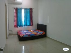 Room offered in Bandar puchong jaya Selangor Malaysia for RM600 p/m