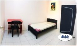 Room offered in Setia alam Selangor Malaysia for RM550 p/m