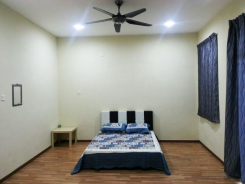 Room offered in Shah alam  Selangor Malaysia for RM740 p/m