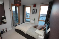 /rooms-for-rent/detail/4861/rooms-poplar-price-220-p-w