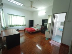 House offered in Damansara jaya Selangor Malaysia for RM990 p/m