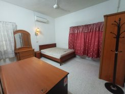 Room offered in Damansara jaya Selangor Malaysia for RM890 p/m