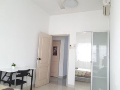 Room offered in Bandar utama Selangor Malaysia for RM800 p/m