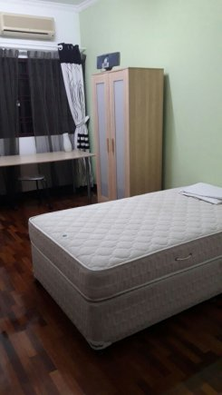 Single room offered in Bandar utama Selangor Malaysia for RM700 p/m