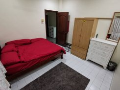 House offered in Petaling Jaya Selangor Malaysia for RM700 p/m